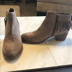 New Naturalizer Zeline taupe suede bootie. Size 10